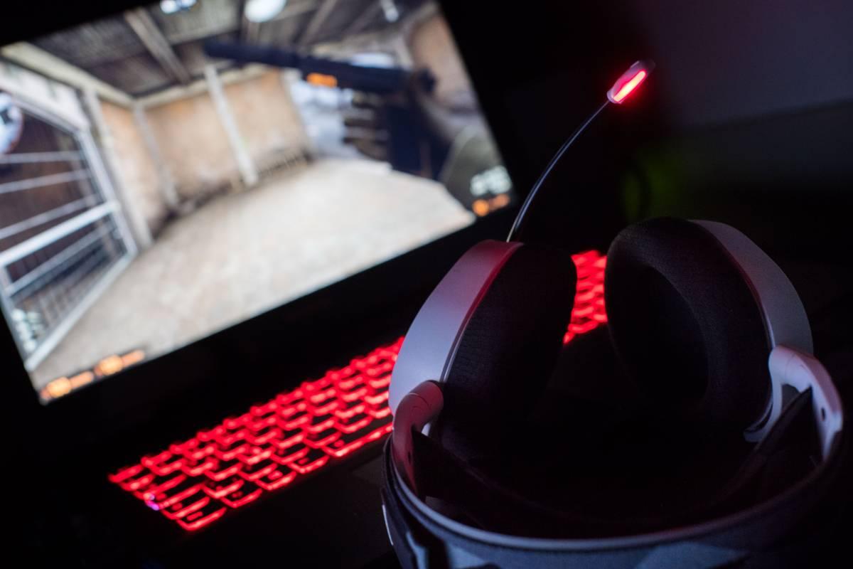 Fnatic - mousesports: Прогноз и ставка на матч FLASHPOINT 3 по CS:GO