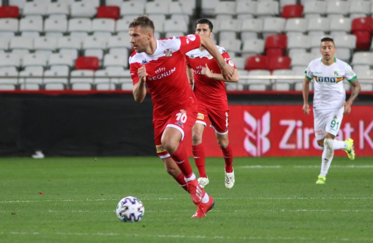 Анкарагюджю - Аланьяспор: Прогноз и ставка на матч чемпионата Турции