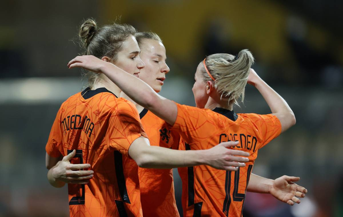 Holland – China: forecast for the women's football match of the group stage of the OI-2020