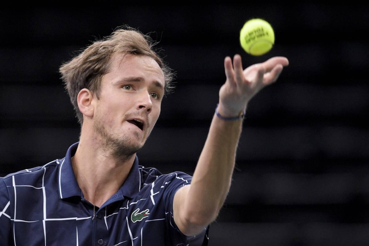 Оже-Альяссим - Медведев: прогноз и ставка на полуфинал US Open