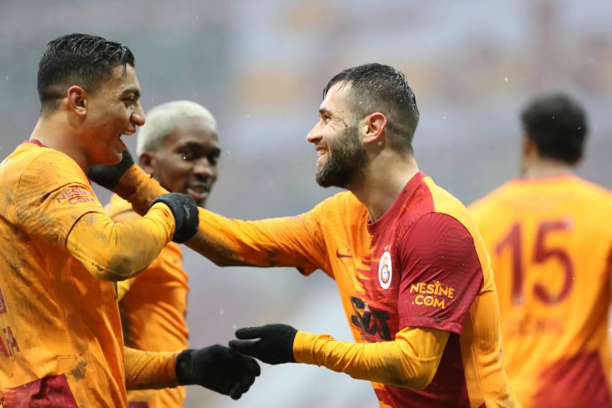 Анкарагюджю - Галатасарай: Прогноз и ставка на матч чемпионата Турции
