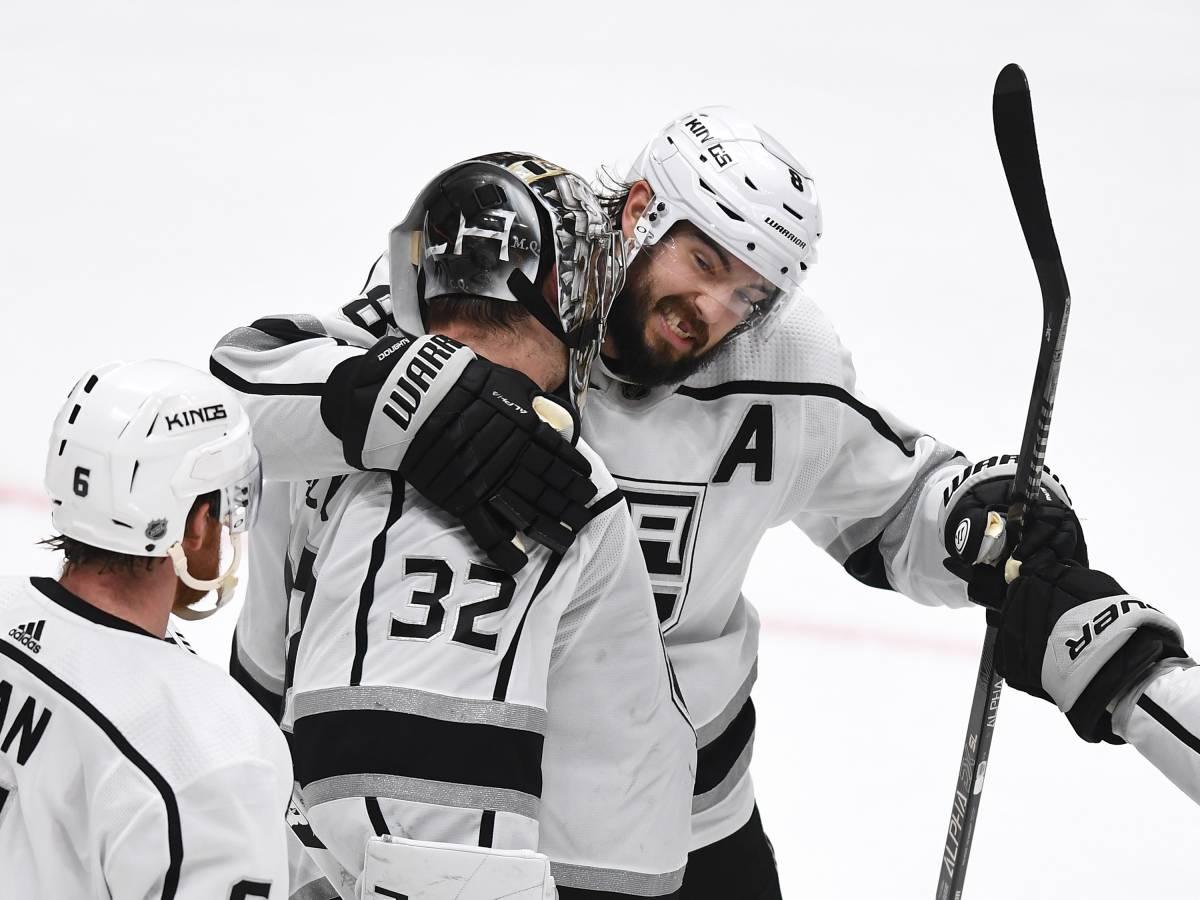 «Лос-Анджелес» - «Аризона»: прогноз и ставка на матч НХЛ