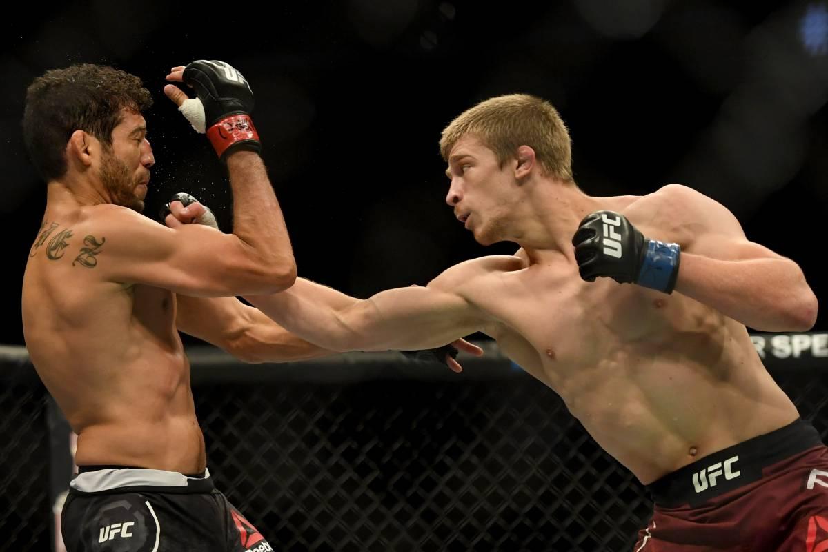 Арнольд Аллен – Содик Юсуфф: прогноз на бой UFC